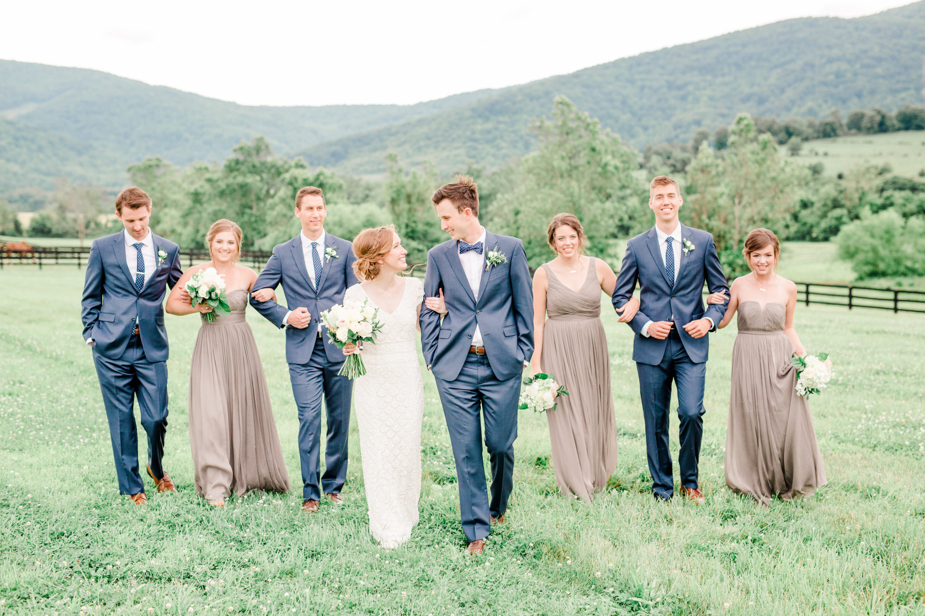 View More: http://hannahbjorndalphotography.pass.us/theakridges