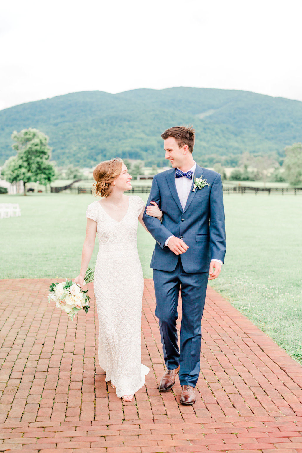 8-16-16-blue-virginia-vineyard-wedding-6