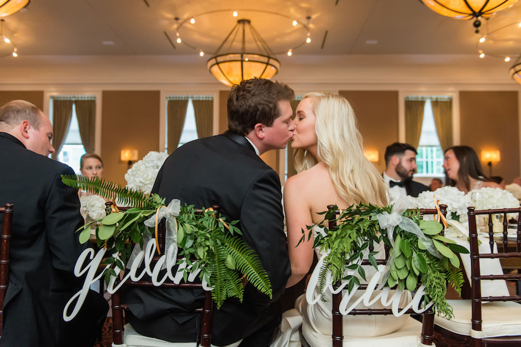8-17-16-gold-eastern-shore-maryland-tidewater-inn-wedding-24