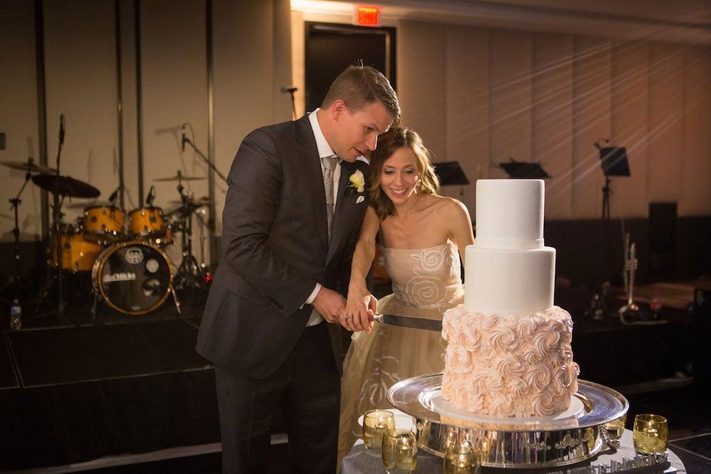 8-8-16-watergate-hotel-wedding-pink-white-grey-20