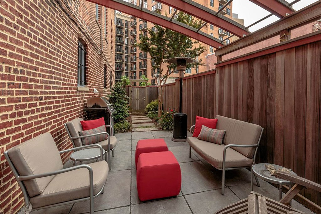 building apartment mt. vernon listing we love back patio