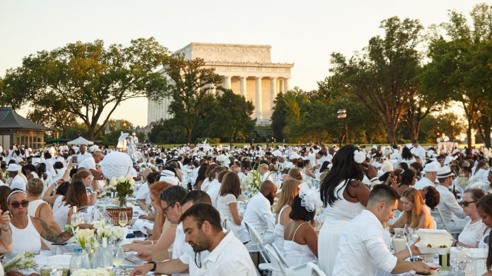A Bedazzled Beard and a Sailboat Centerpiece are Just the Start of the Creativity at Dîner en Blanc 2016