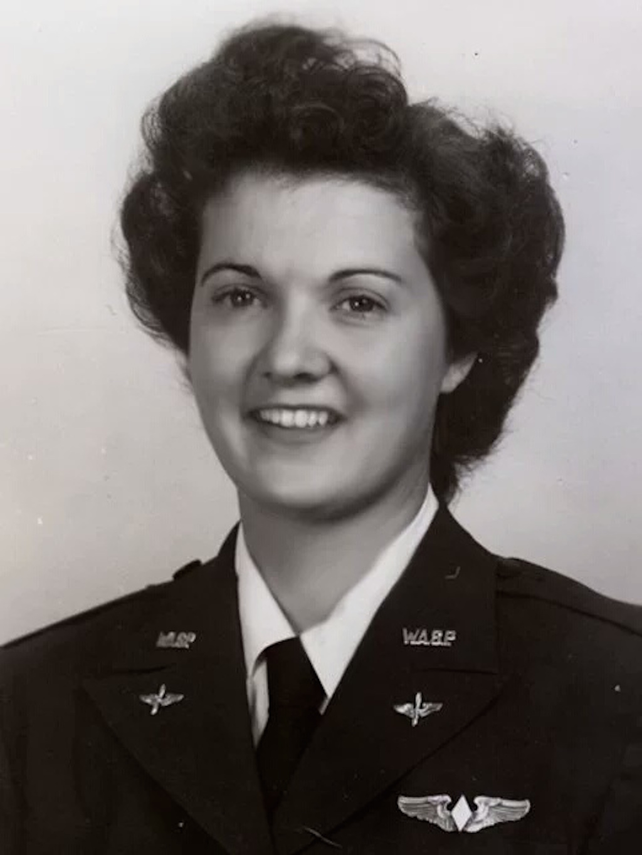 Elaine Harmon, Women Airforce Service Pilot (WASP).