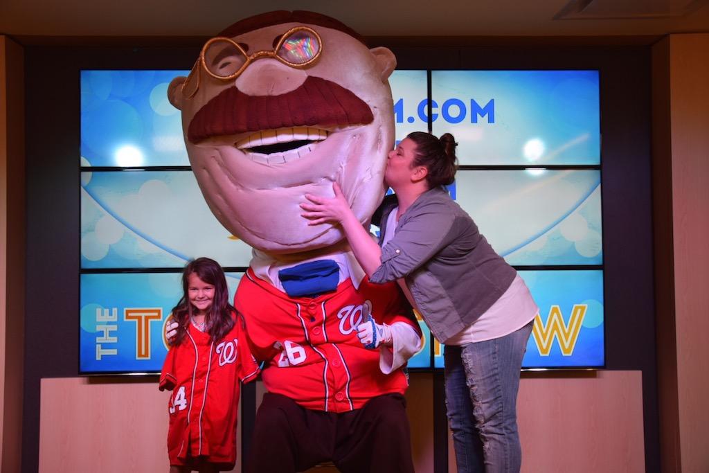jen-kissing-teddy-roosevelt