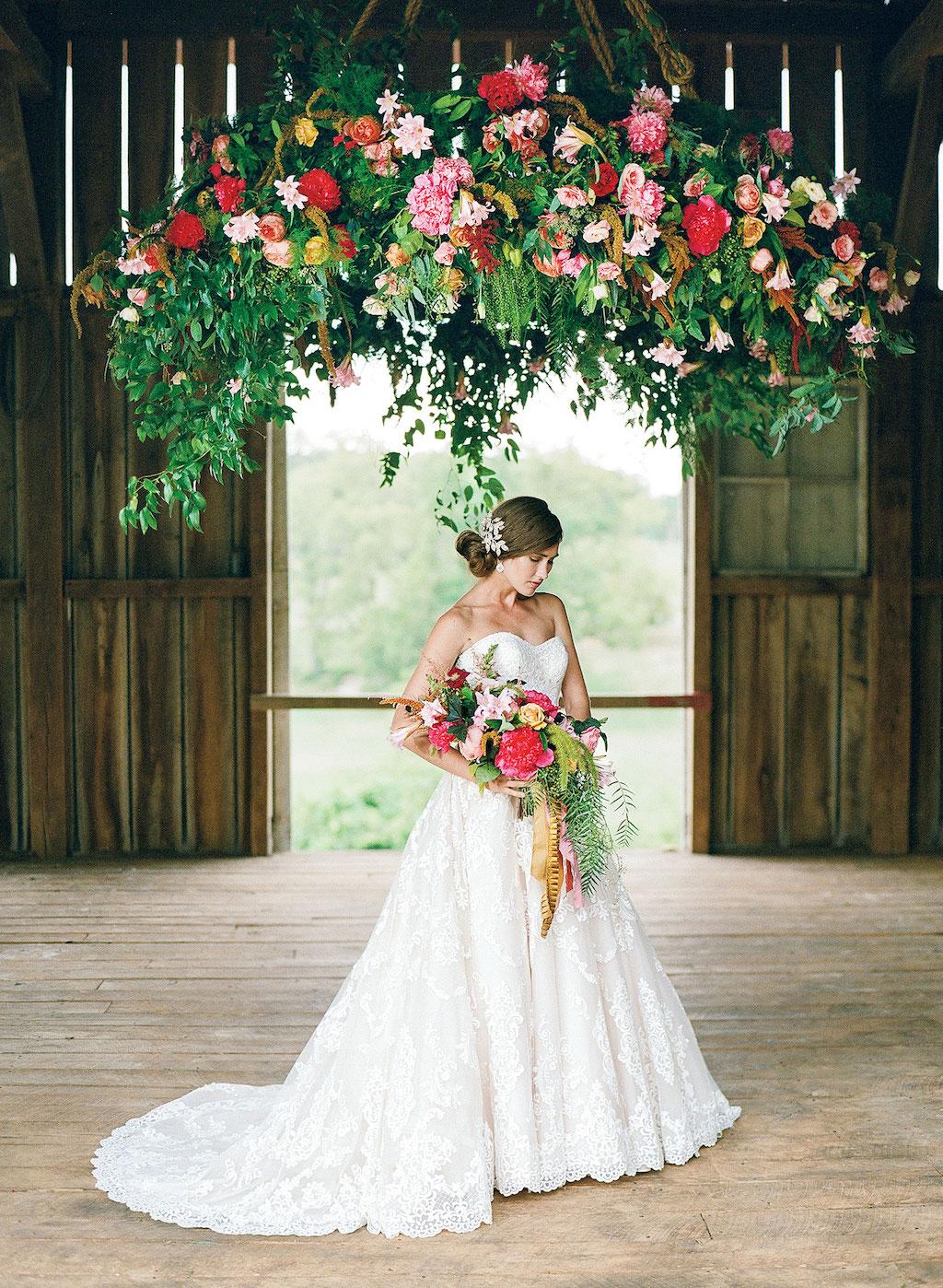 10-11-16-coolest-wedding-decor-design-10