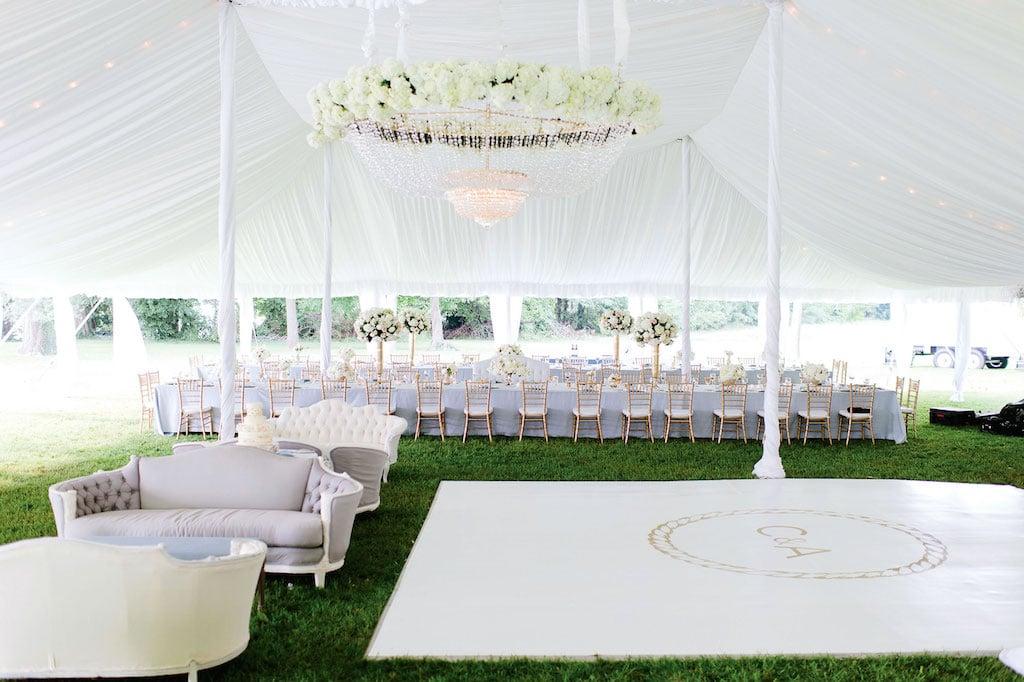 10-11-16-coolest-wedding-decor-design-13