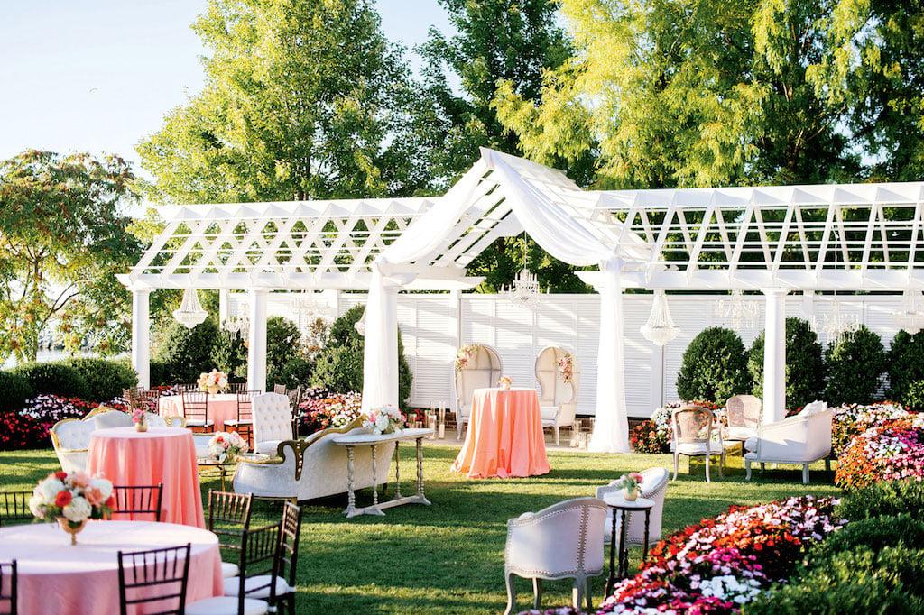 10-11-16-coolest-wedding-decor-design-14