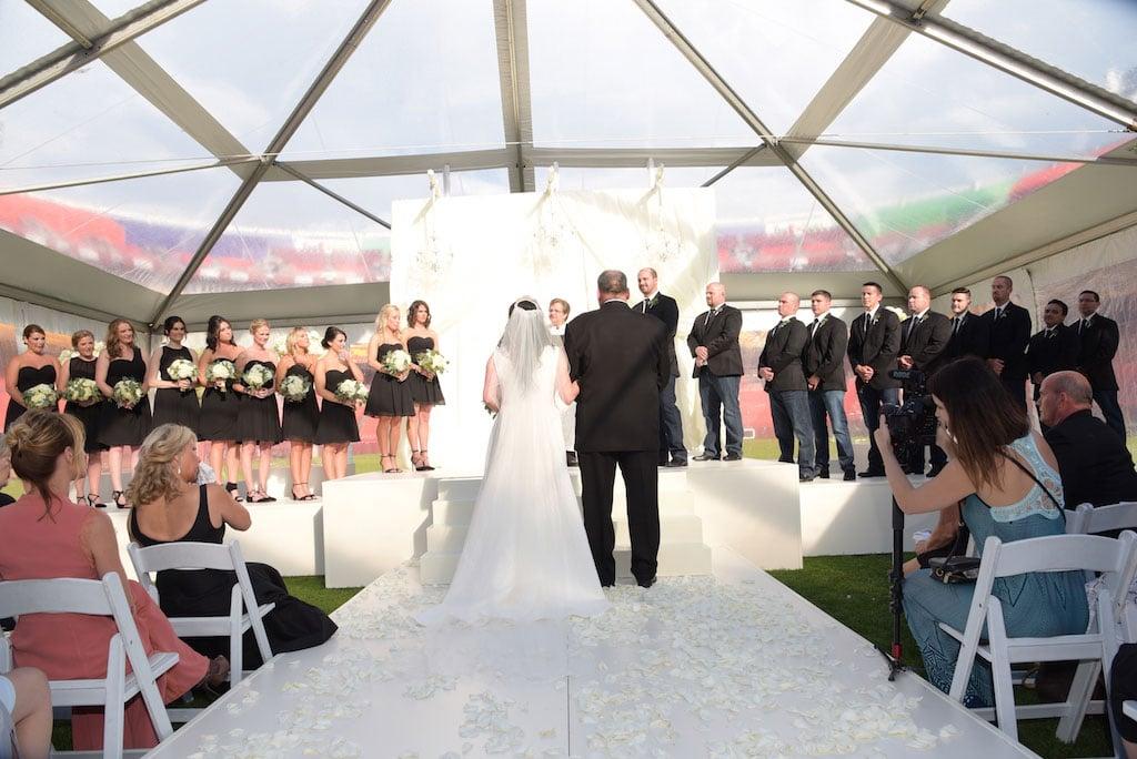 10-28-16-redskins-washington-nfl-football-fedex-field-wedding-6