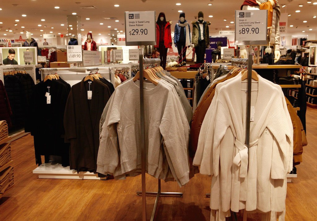 10-28-16-uniqlo-open-tysons-corner-1