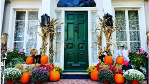 12 DC Houses That Freaking LOVE Halloween
