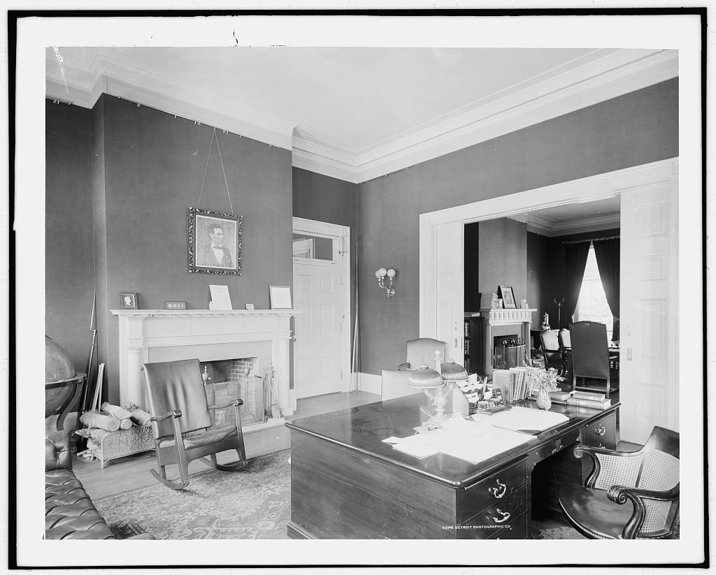 Office of the President in 1904. Photograph by Detroit Publishing Co.