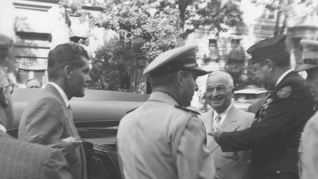 President Truman arrives at the 1950 Marine Corps League National Convention in Washington, DC. He is greeted by F. Clay Nixon, National Commander of the Marine Corps League. Photo by Marine Corps Archives & Special Collections via \wikimedia commons.