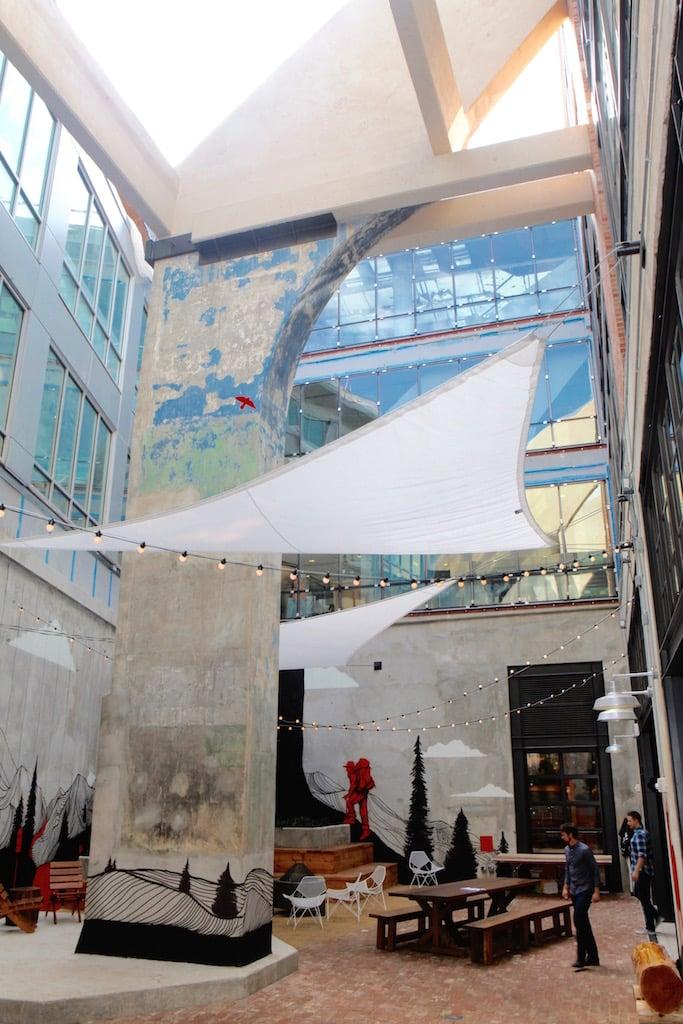 courtyard-arche