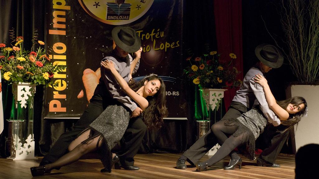 Tango dancing at the Troféu Mario Lopes in 2010 in Brazil. Photo via Fabrício Marcon.