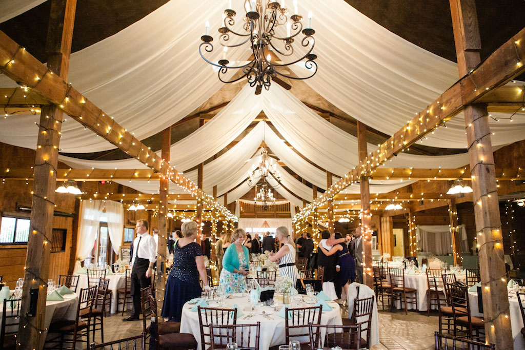 11-15-16-bluemont-vineyard-standing-ceremony-wedding-12