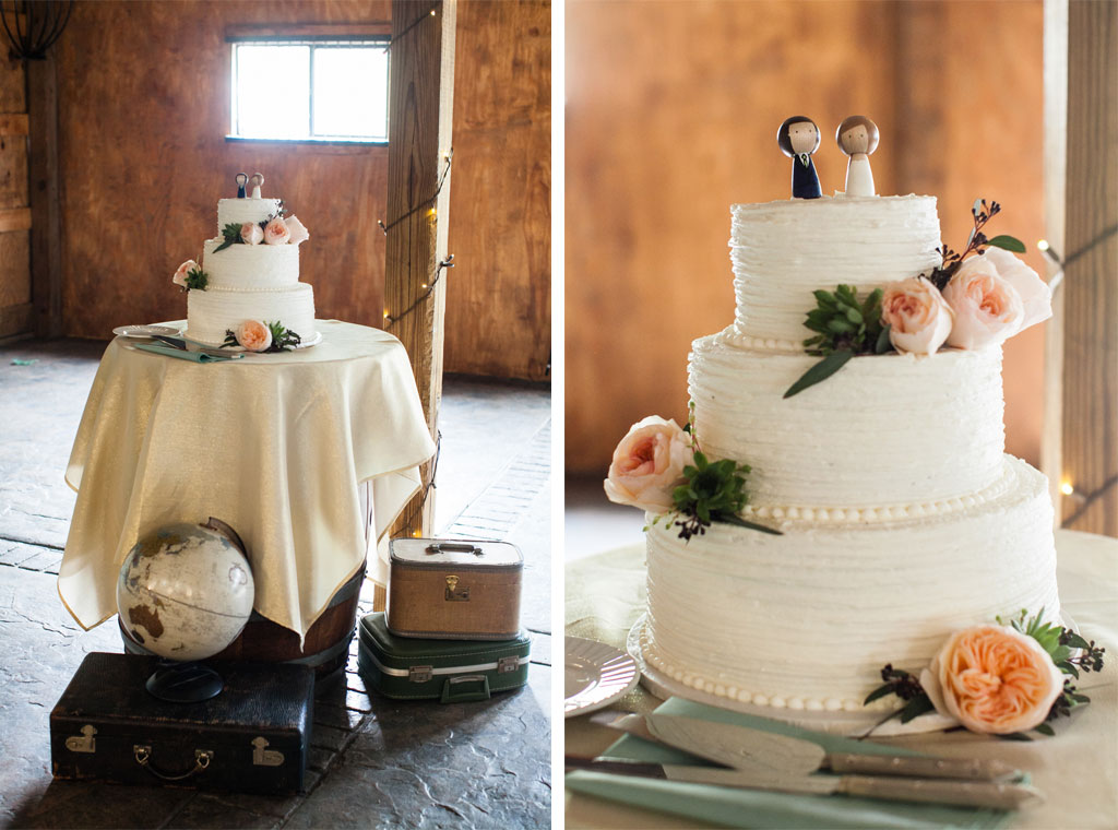 11-15-16-bluemont-vineyard-standing-ceremony-wedding-16