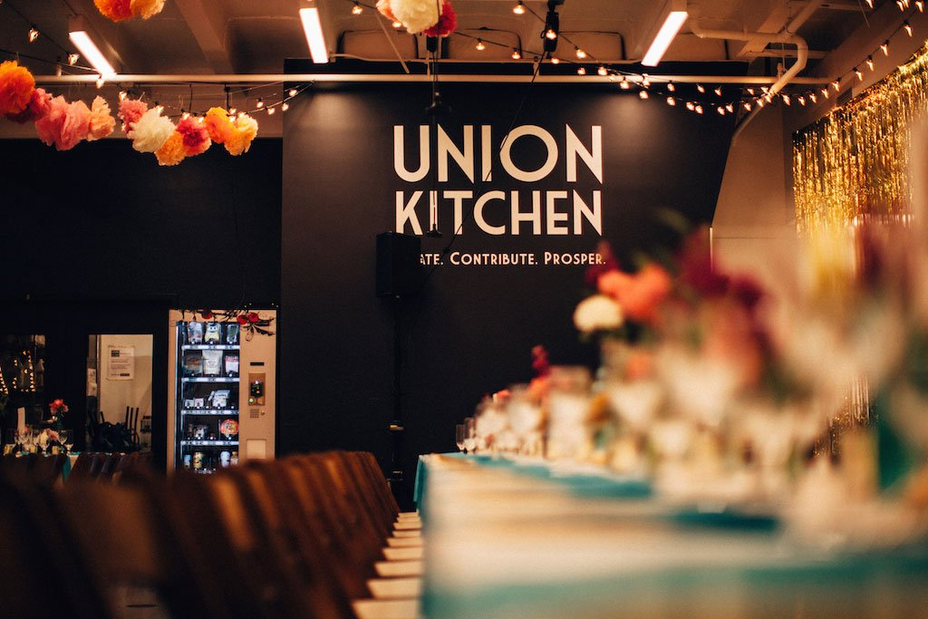 11-3-16-union-kitchen-cool-flower-wall-wedding-17
