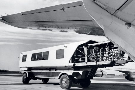 Why Do We Still Have Those Weird-Looking People Movers at Dulles?