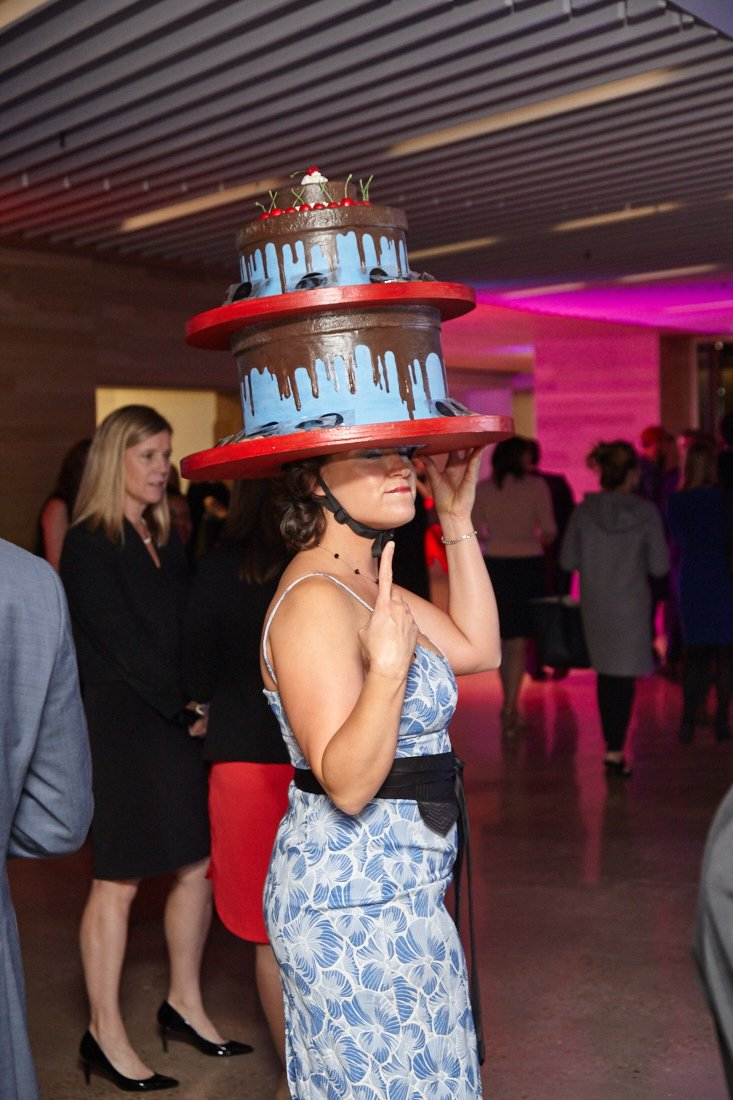 washington-post-woman-in-cake-hat1