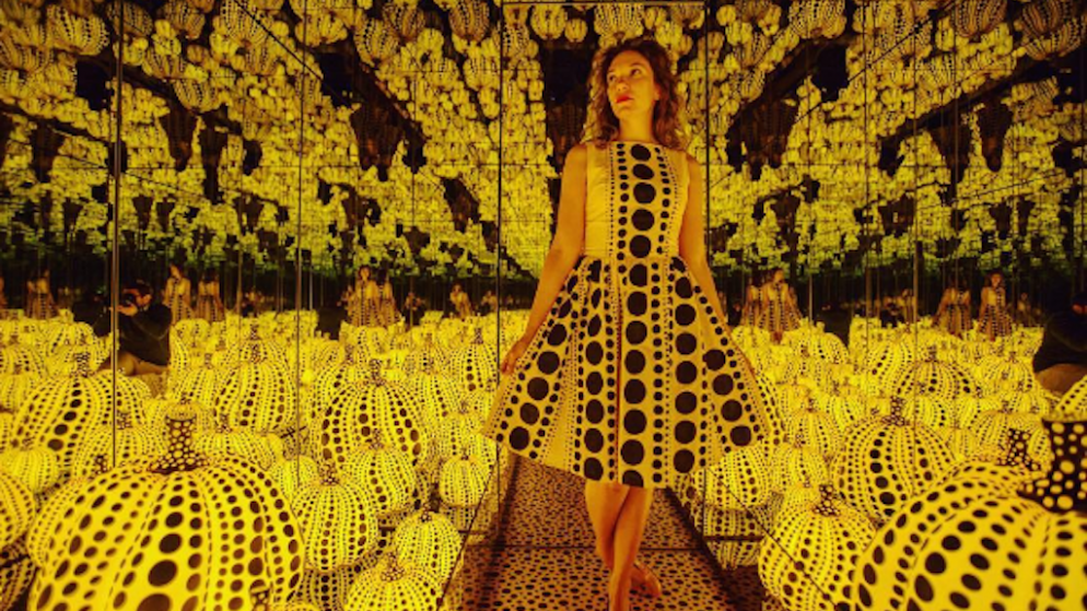 Washingtonians Are Dressing to Match the Hirshhorn's Infinity Mirrors Exhibit