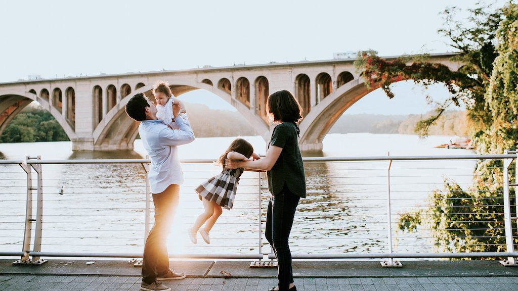 The New Rules of Taking Family Portraits