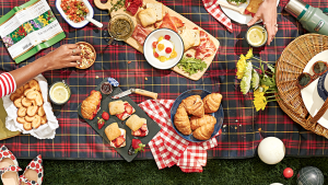 9 Picnic Essentials That Will Turn Any Park Into Your Outdoor Dining Room