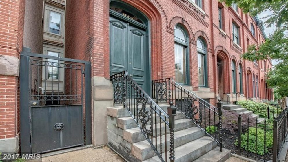 Frank and claire underwood 39 s gorgeous brownstone home is for Underwood house for sale
