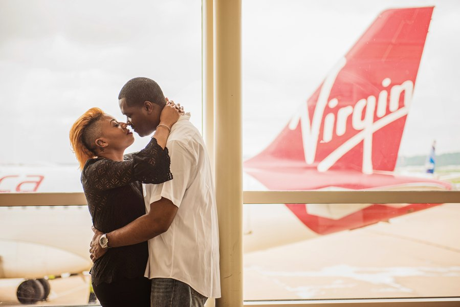 airport engagement reagan national airport myeshia townsend and derrick hanna