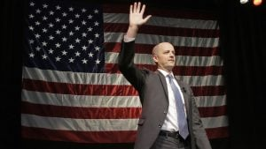 Evan McMullin Tweets Like a President