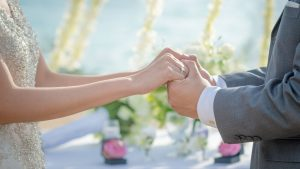 "It's Now Easier For Men to ""Marry Up"" Than It Is For Women, Study Finds"