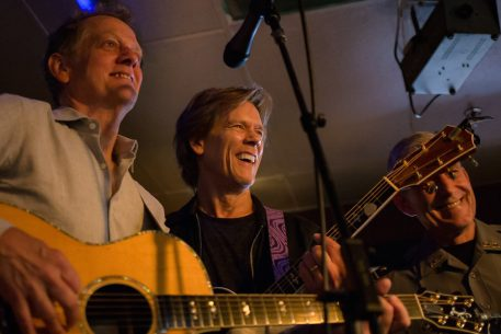 """Kevin Bacon Surprised an Alexandria Bar With a Performance of """"Footloose"""""""