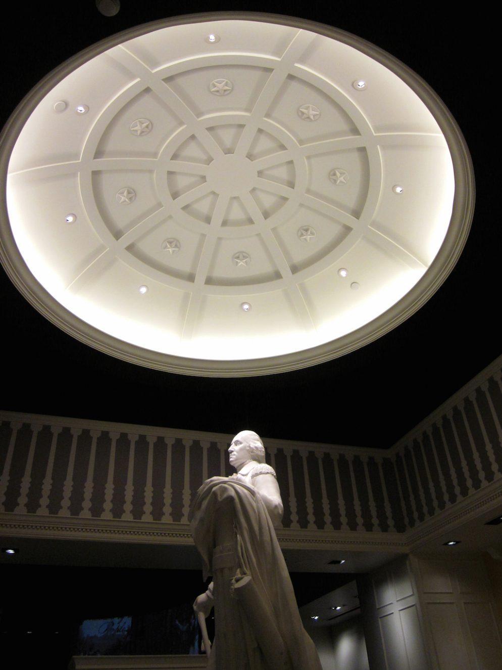 Life-size George Washington. Photograph Courtesy of Virginia's American Revolution Museum at Yorktown.