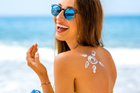 The Top 5 Summer Skincare Tips to follow this summer when you're on vacation, simplified.