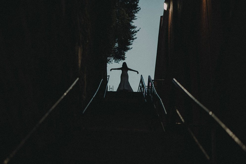 Prepare to Be Creeped Out By These Exorcist-Themed Wedding Photos Taken on the Georgetown Stairs