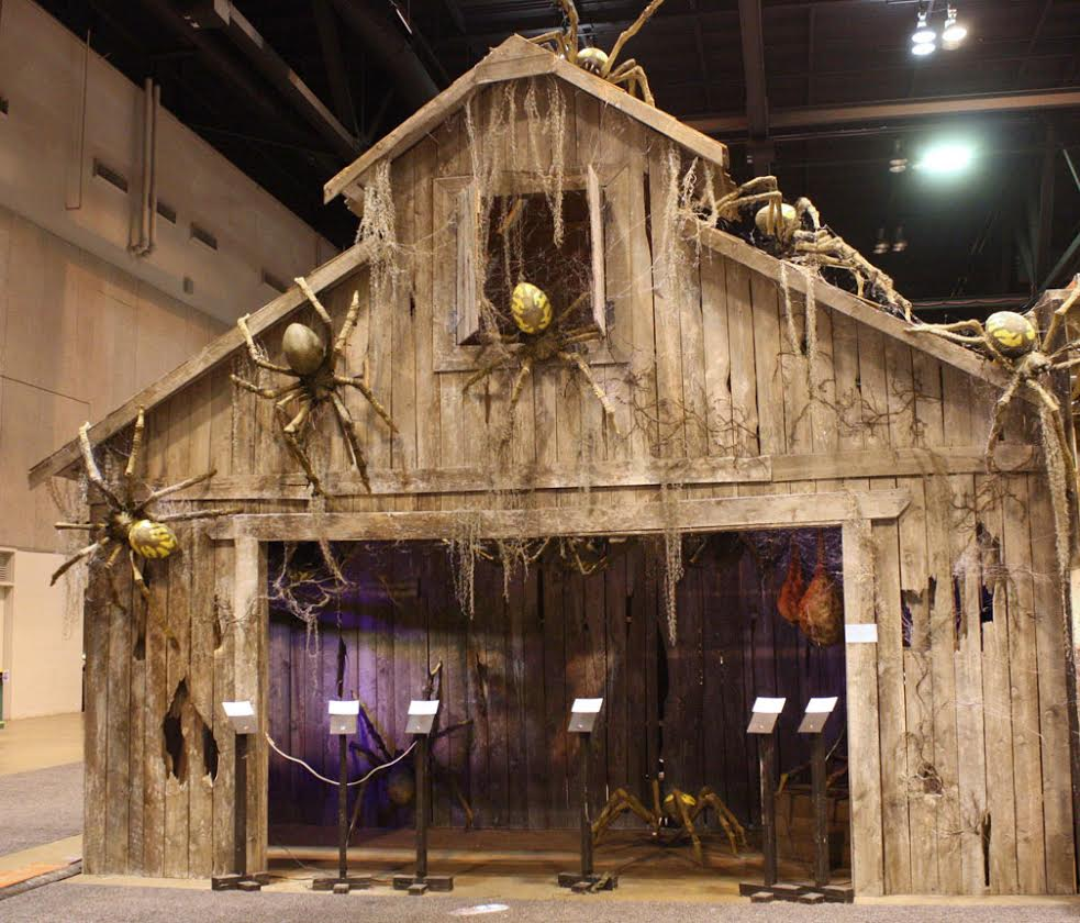 6 halloween haunted houses around washington for Build a haunted house