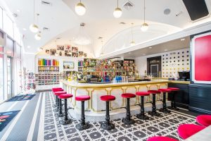Scott Disick Likes the Water at Pentagon City's New Sugar Factory
