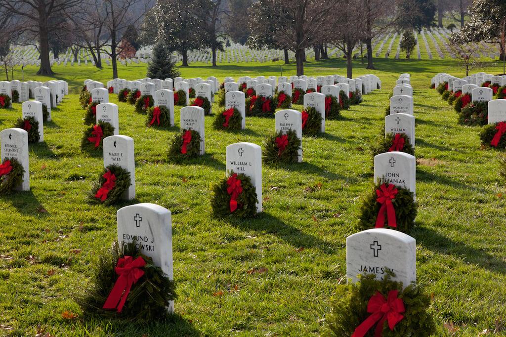 arlington cemetery wreaths