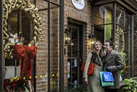"Why Alexandria is the Place to ""Shop Small"" for the Holidays"