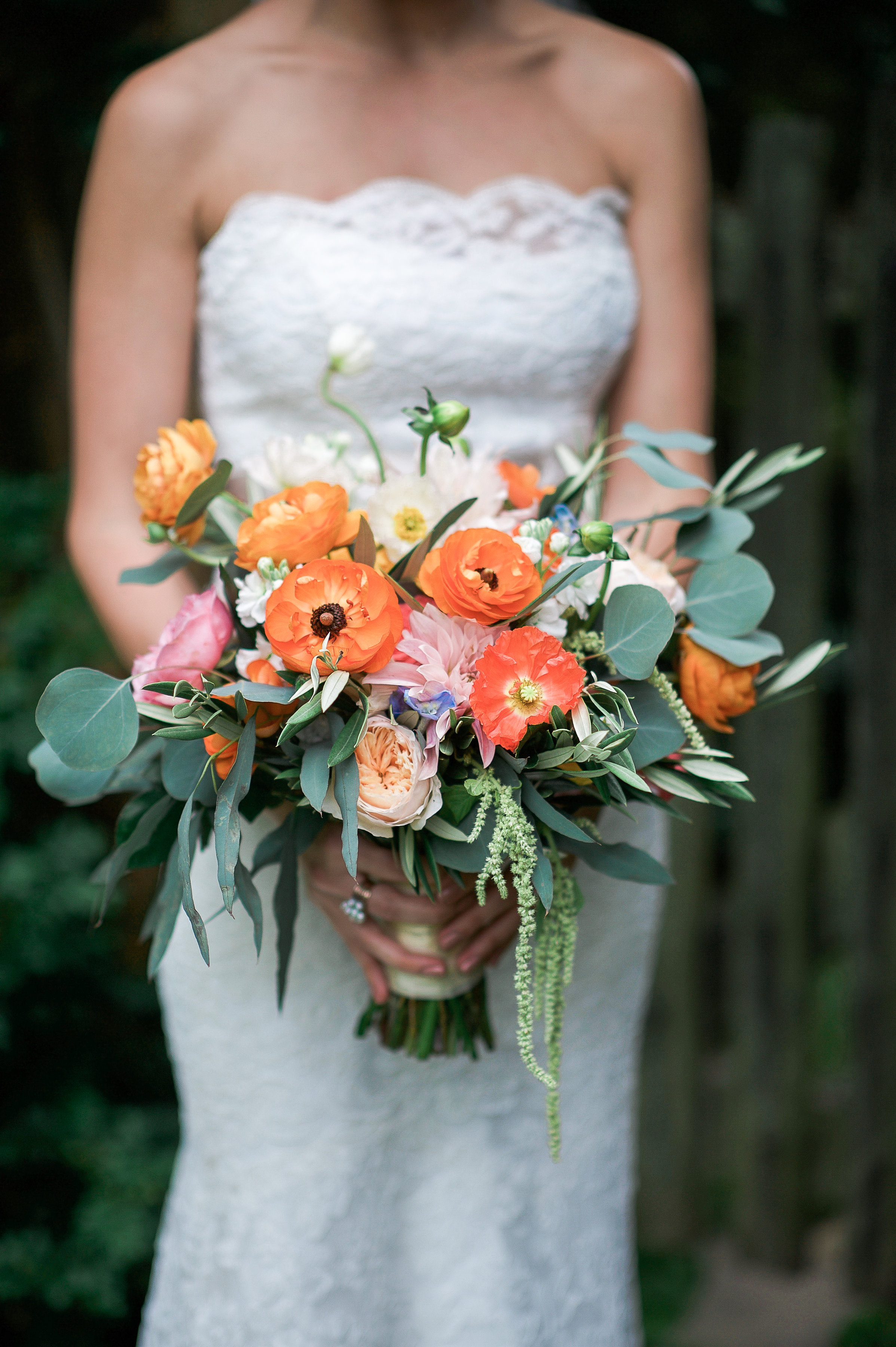 This JMU Coupleu0027s Rustic Virginia Barn Wedding Featured Dreamy Florals and a Traditional Iranian Sofreh Sheila & JMU Coupleu0027s Fusion Wedding with Bold Flowers and an Iranian Sofreh