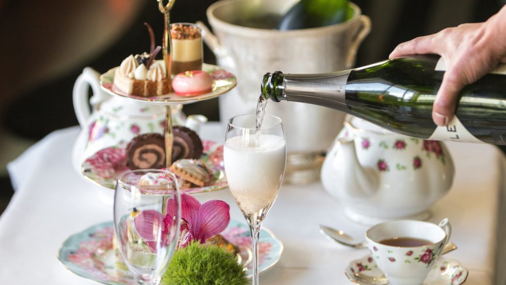 Another Watergate Scandal: the Hotel Now Offers 0 High Tea