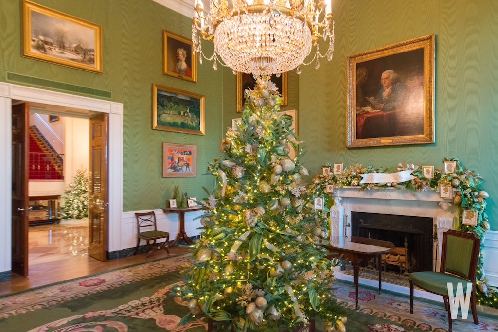 decorations created by american artisans florists and designers out of natural materials paper and fabric white house christmas decorations 2017