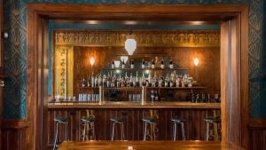 Gaslight Tavern Will Make You Feel Like You're Drinking In Another Era