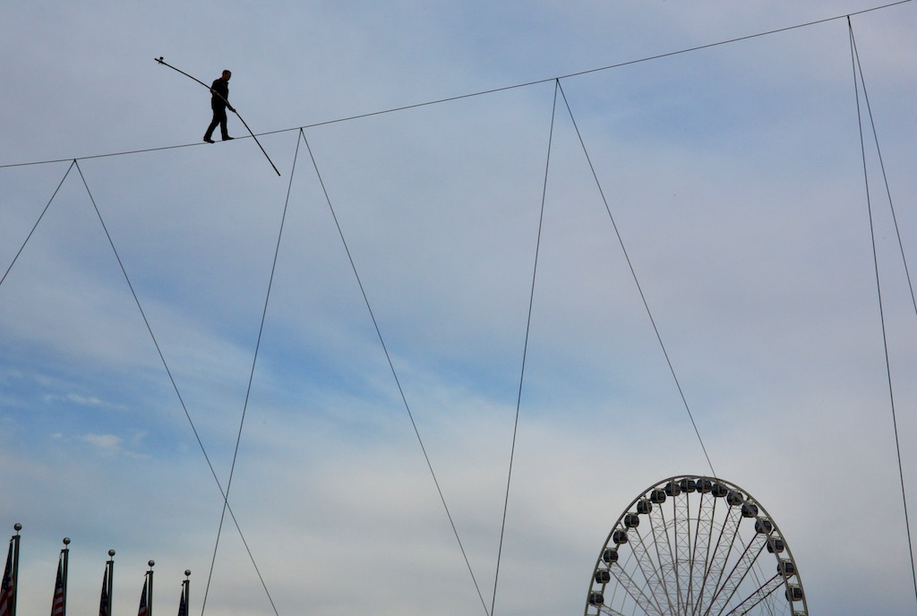 PHOTOS: Nik Wallenda Walks Across a Wire at National Harbor