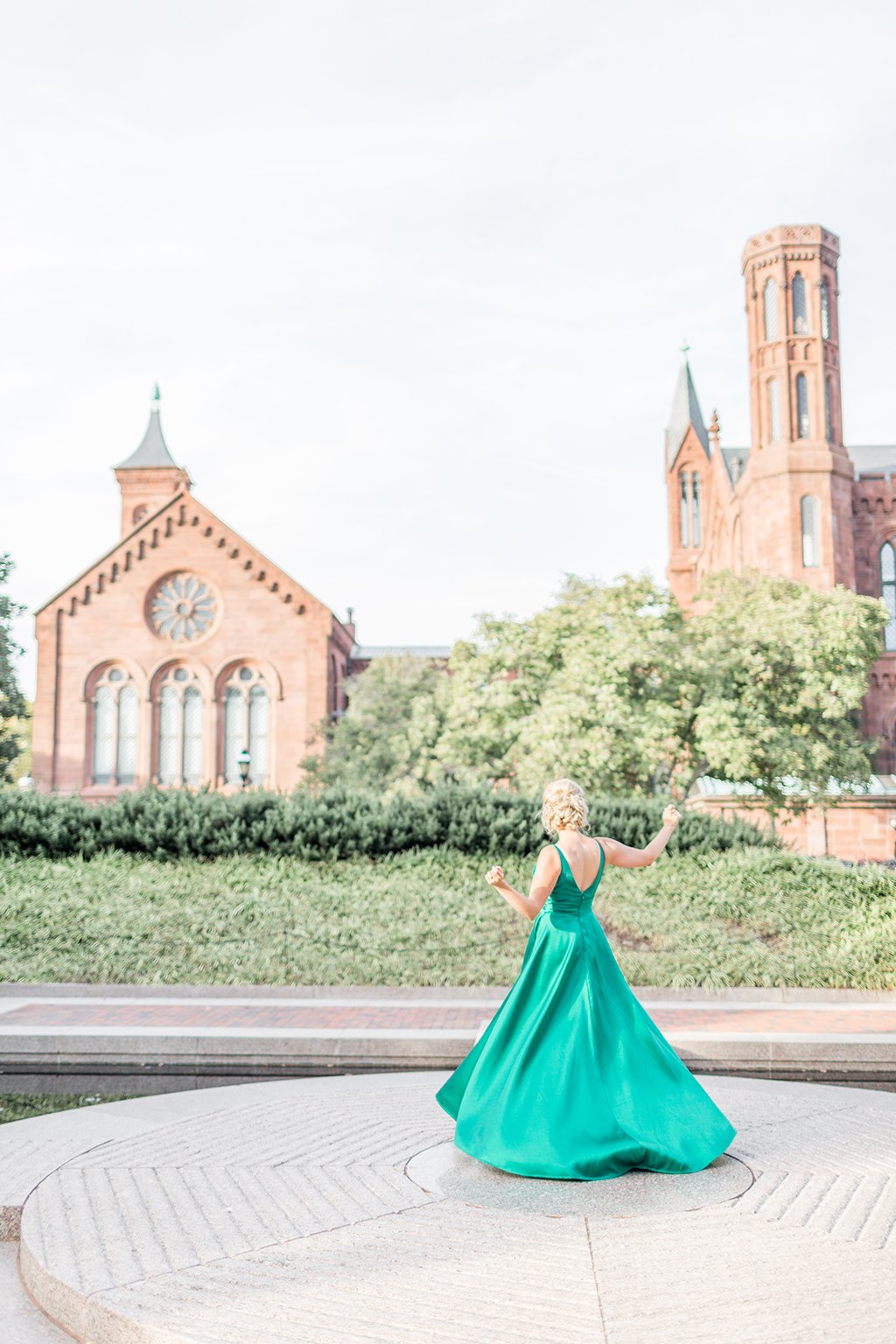 This Capitol Hill Bride Broke Tradition with a Stunning Emerald ...