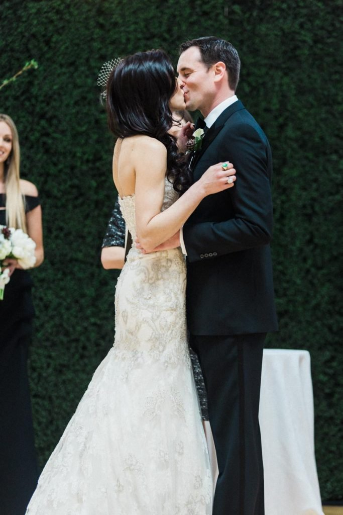 This Black-and-White Wedding Was the Perfect Blend of Vintage and Modern images 38