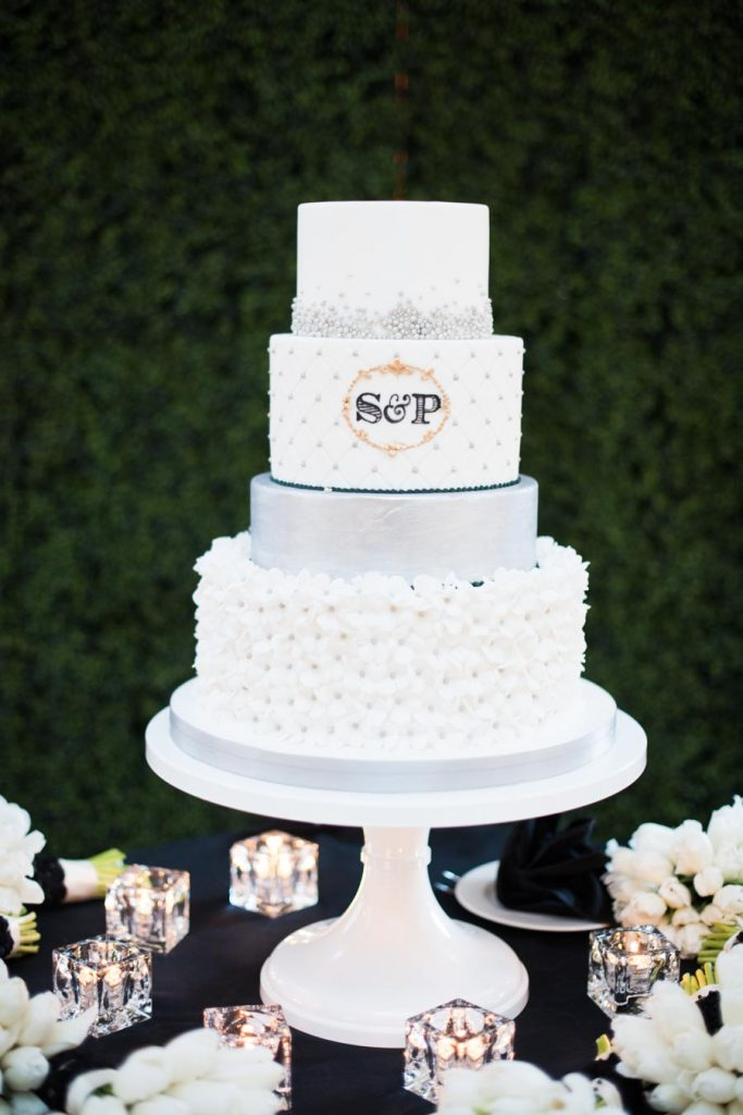 This Black-and-White Wedding Was the Perfect Blend of Vintage and Modern images 42