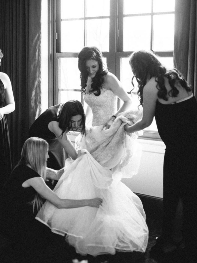 This Black-and-White Wedding Was the Perfect Blend of Vintage and Modern images 8