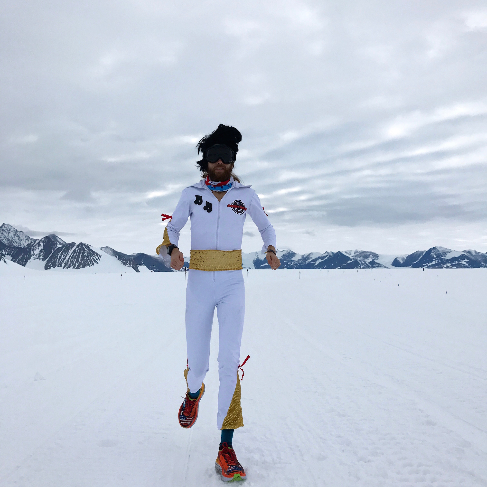 Running in Snow: Wardian during casual marathon in Antarctica. Photo by Martin Molseter.