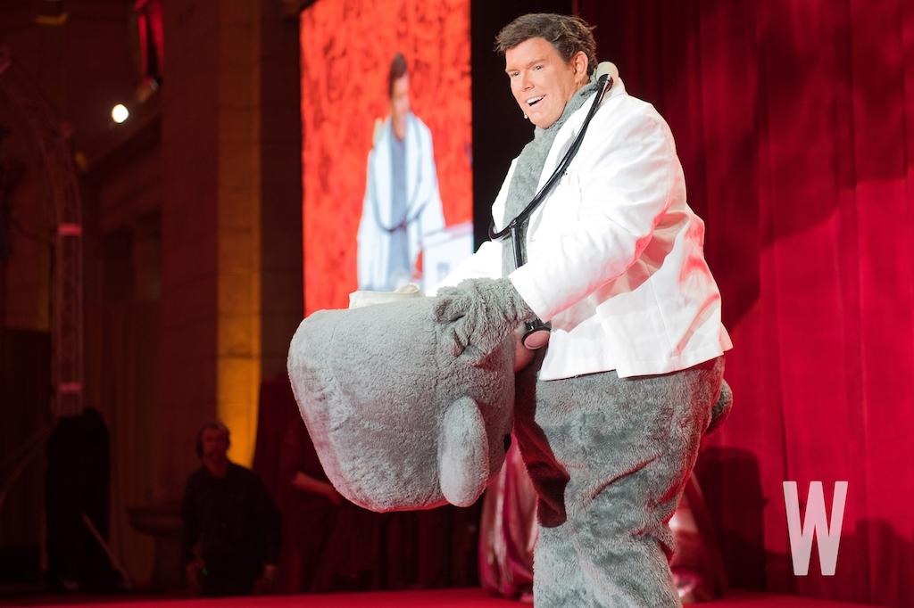 Fox News chief political anchor Bret Baier made a memorable entrance as Dr. Bear.