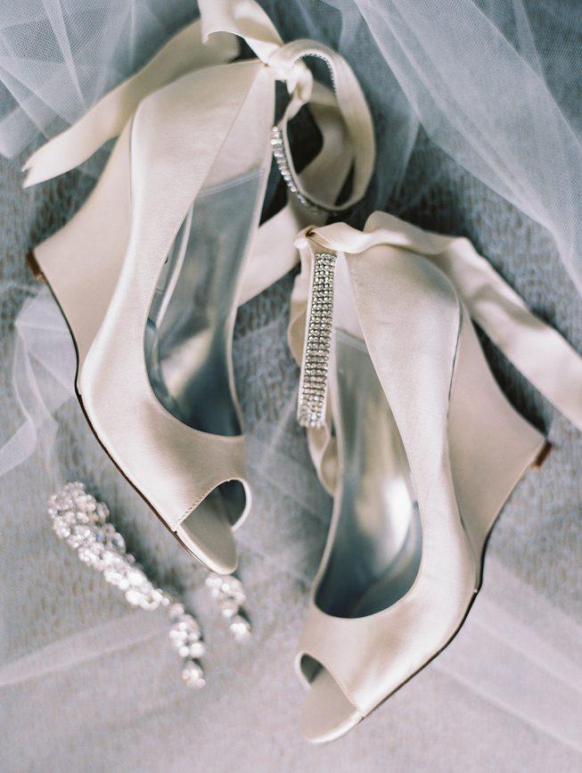 Jenna and Ben Bubblegum Pink Wedding | Renee Hollingshead USNA-2